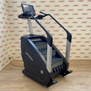 Life Fitness PowerMill Stair Climber with Discover SE3HD Console
